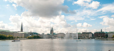 Sightseeing and Alster tour